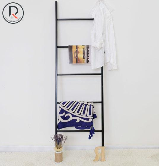 a-towel-ladder-den